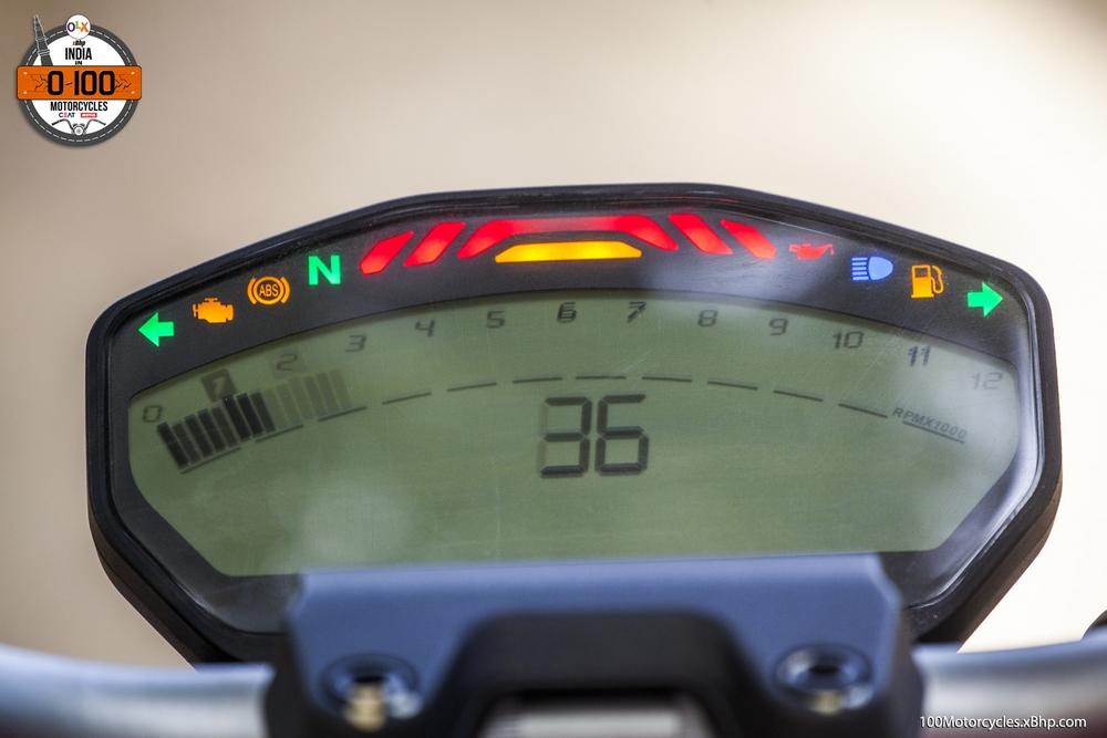 Ducati Monster 821 (010)