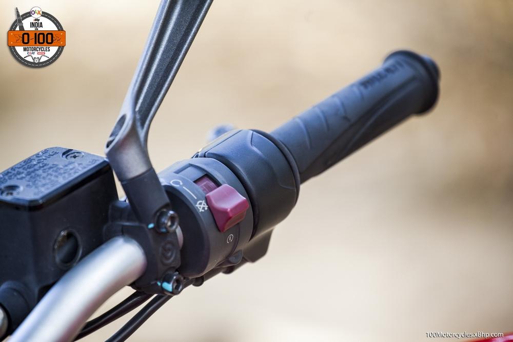 Ducati Monster 821 (014)