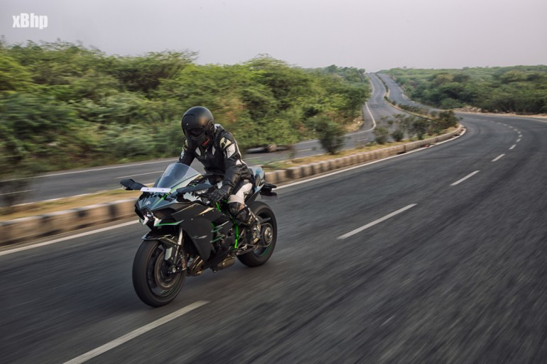 xBhp_India_Kawasaki_Ninja_H2-1-68gbdm80bvdgm7dzmpyc4wz4prd4kags6fh5at8clvi
